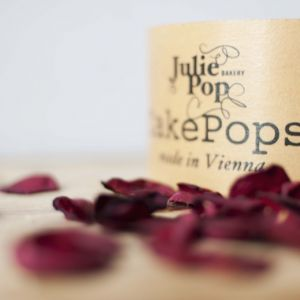Die Präsentation – eure Cake Pops kommen inkl. einer handgearbeiteten Box zu euch nach Hause.